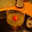 デザートのゼリーとワイン