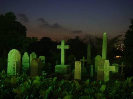 Foreign_graveyard3