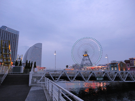 Minatomirai20120525